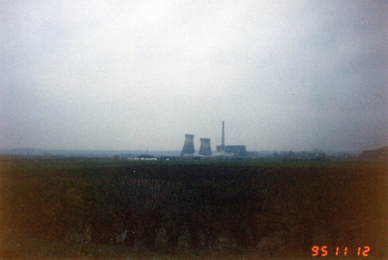 SkeltonGrangePowerStation(2)BeingDemolishedAbout8.a.m.Nov121995..jpg