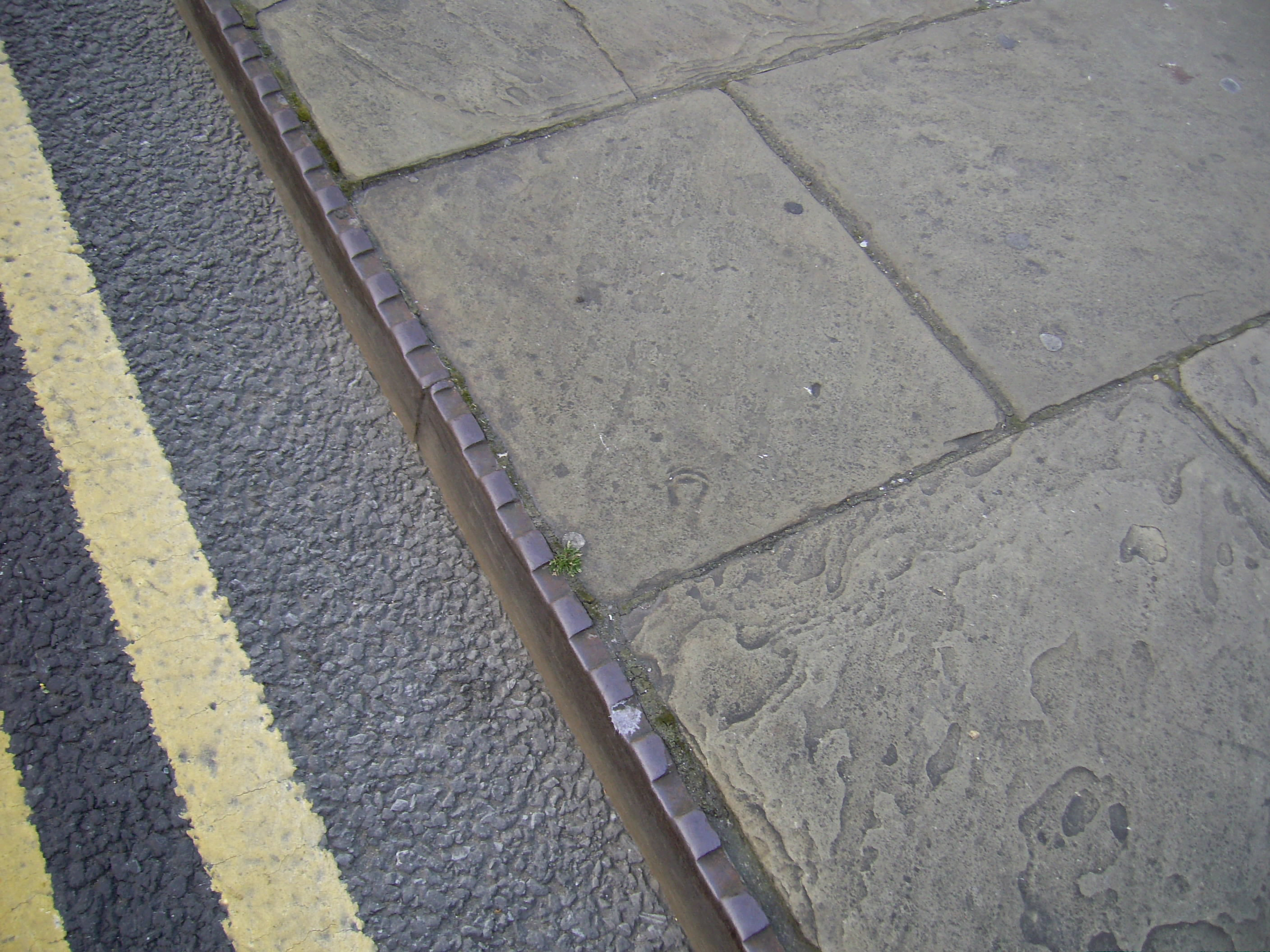 Leeds Bridge Kerb.jpg