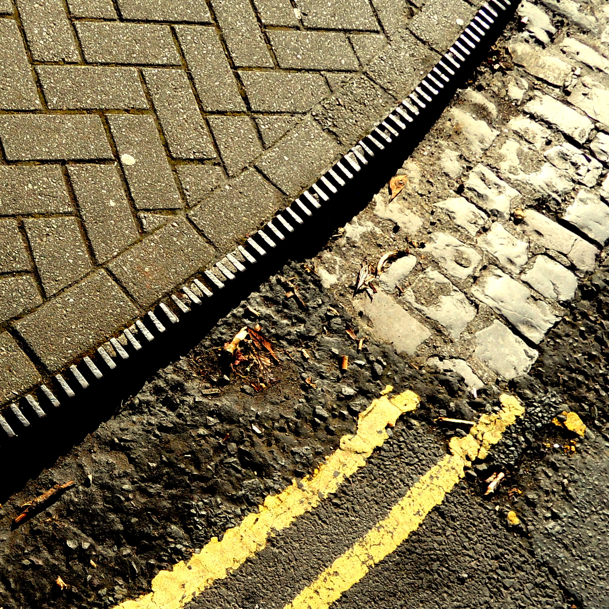 Iron kerbing and cobbles - Bristol.jpg