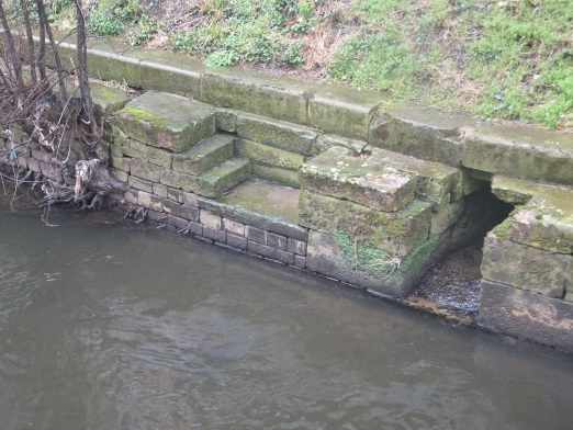 OldDrainFromGravingDockGranaryWharfLeedsFeb192015..jpg