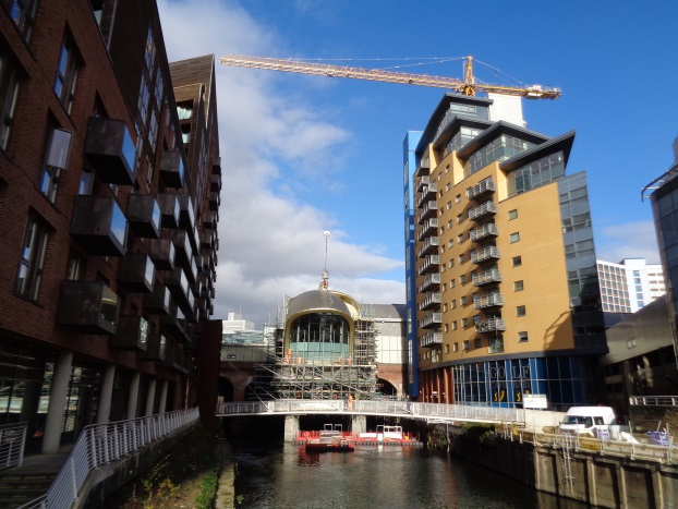 Photo (taken Oct 22 2015) showing the crane at the LSSE work.